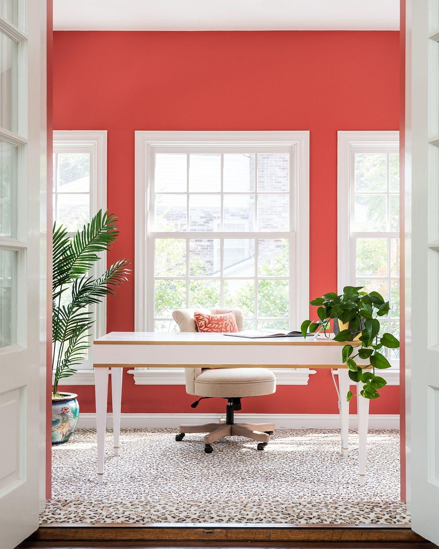 Góc làm việc tại gia tuyệt đẹp, mát mẻ với việc sử dụng những tông màu hài hòa, sáng tạo.