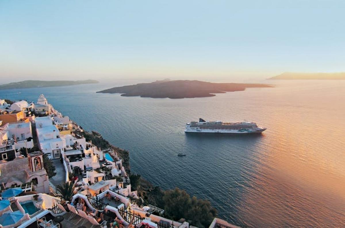 Du thuyền Norwegian Jade trên vùng biển Hy Lạp.Nguồn: Norwegian Cruise Line