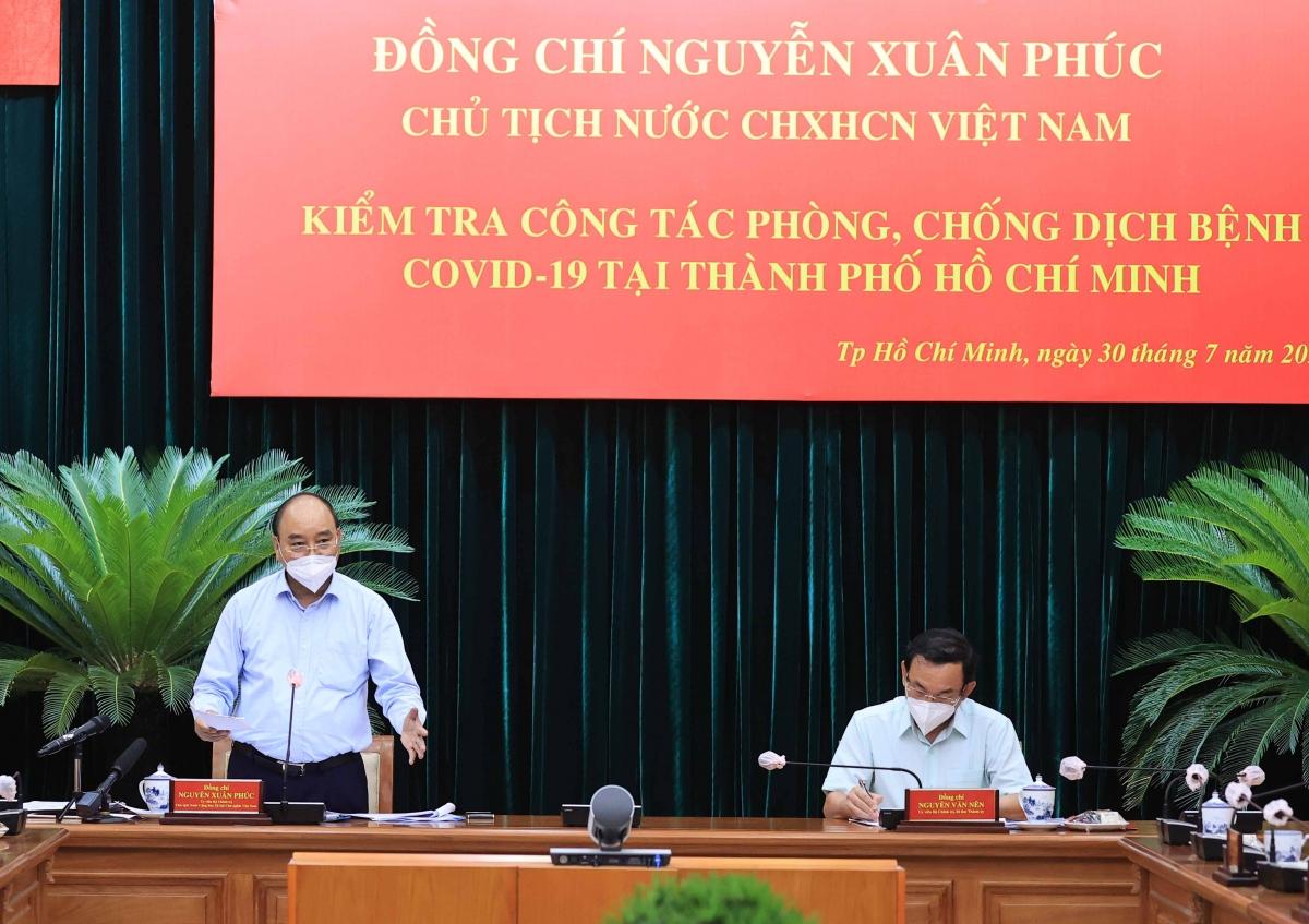 Chủ tịch nước Nguyễn Xuân Phúc làm việc với lãnh đạo chủ chốt TP.HCM