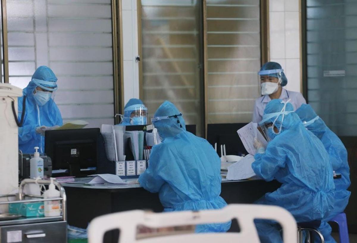 Thêm 25 ca nhiễm SARS-CoV-2, Hà Nội ghi nhận 74 ca trong ngày.