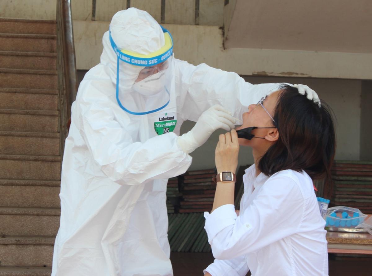 Hà Nội có thêm 26 ca nhiễm SARS-CoV-2, trong đó 9 ca cộng đồng.