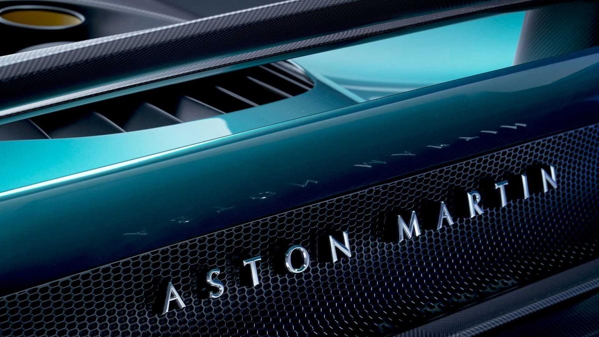 Aston Martin Valhalla dự kiến sẽ có được bắt đầu bán ra vào nửa sau năm 2023. Hiện tại, xe vẫn đang được phát triển với sự tham gia của ba tay đua Công thức 1 là Sebastian Vettel, Nico Hulkenberg và Lance Stroll. Valhalla sẽ là mẫu xe tiệm cận hypercar, được sản xuất hàng loạt trong khoảng thời gian 2,5 năm./.