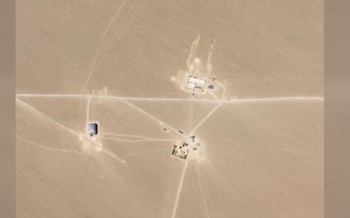 """Hình ảnh vệ tinh về cái mà FAS gọi là """"bãi hầm phóng tên lửa hạt nhân"""" của Trung Quốc trên sa mạc. Ảnh: Planet Labs."""
