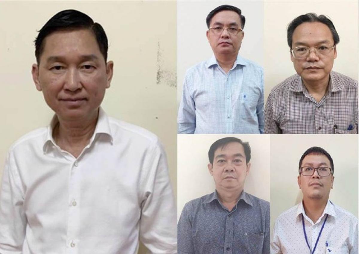 Nguyên Phó Chủ tịch UBND TP.HCM Trần Vĩnh Tuyến và đồng phạm tại cơ quan điều tra.