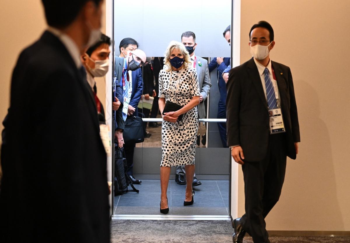 Phu nhân của Tổng thống Mỹ Joe Biden, bà Jill Biden đã có mặt tại sân vận động quốc gia Tokyo. (Ảnh: Reuters).