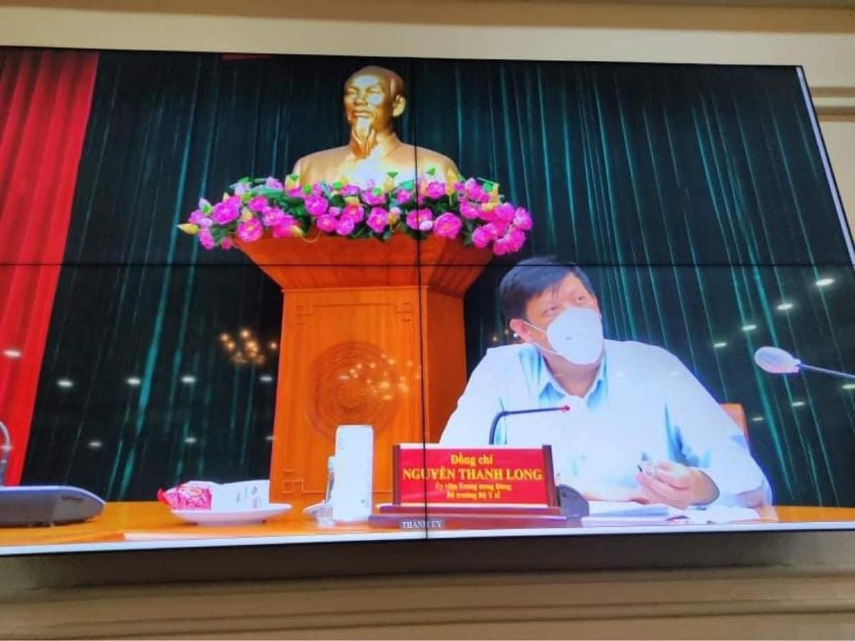 Bộ trưởng Bộ Y tế tại cuộc họp (Ảnh BYT)