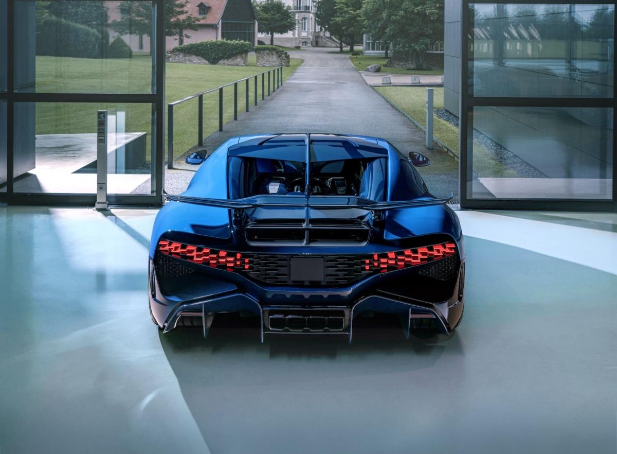 Sự thành công của Divo cũng giúp Bugatti mở ra chương trình sản xuất những chiếc siêu xe cá nhân hóa đặc biệt, được tiếp nối bởi Centodieci cũng như La Voiture Noire sau này./.