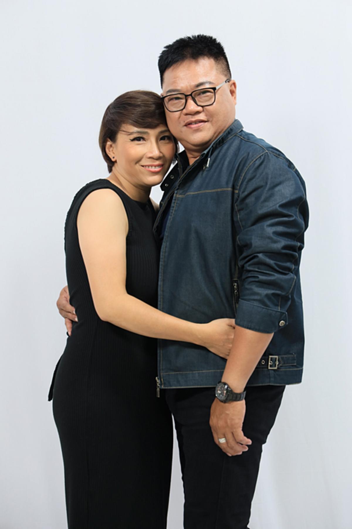 Vợ chồng Phi Hảivà Hương Giang.