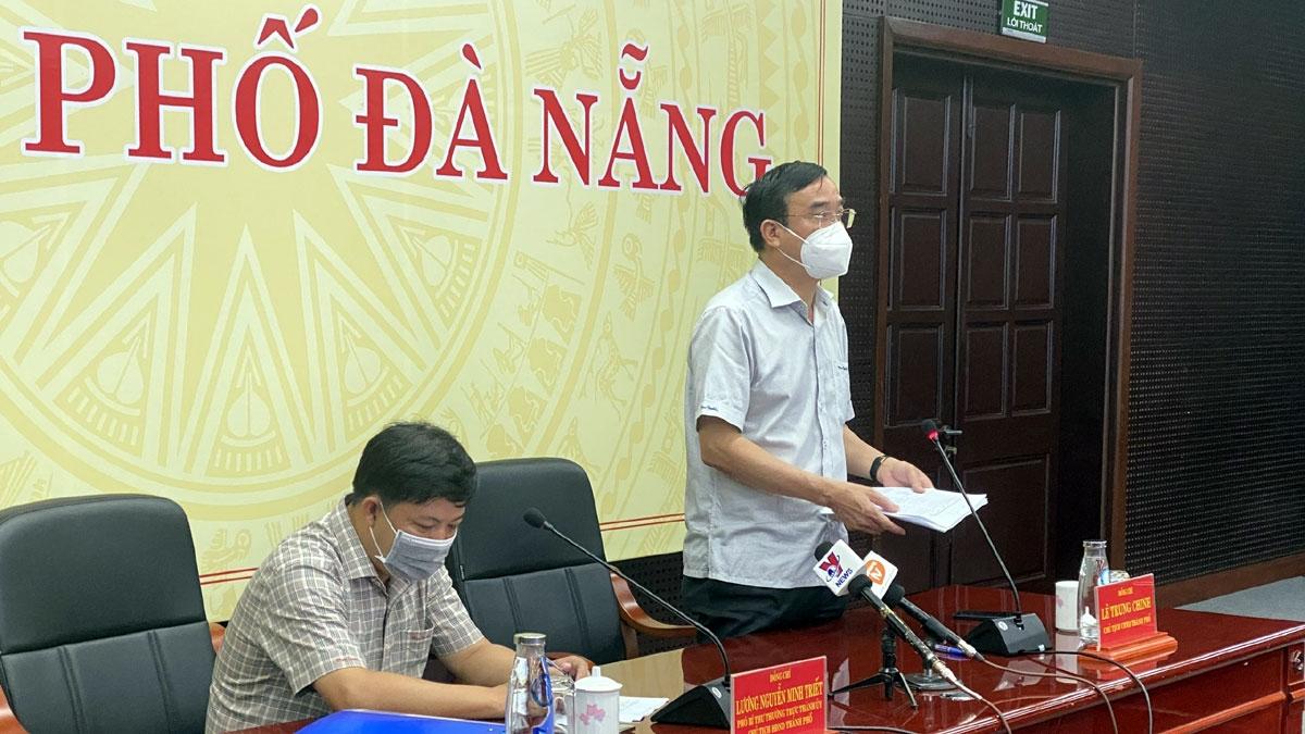 Ông Lê Trung Chinh, Chủ tịch UBND thành phố Đà Nẵng quyết định tạm dừng hoạt động cảng cá Thọ Quang.
