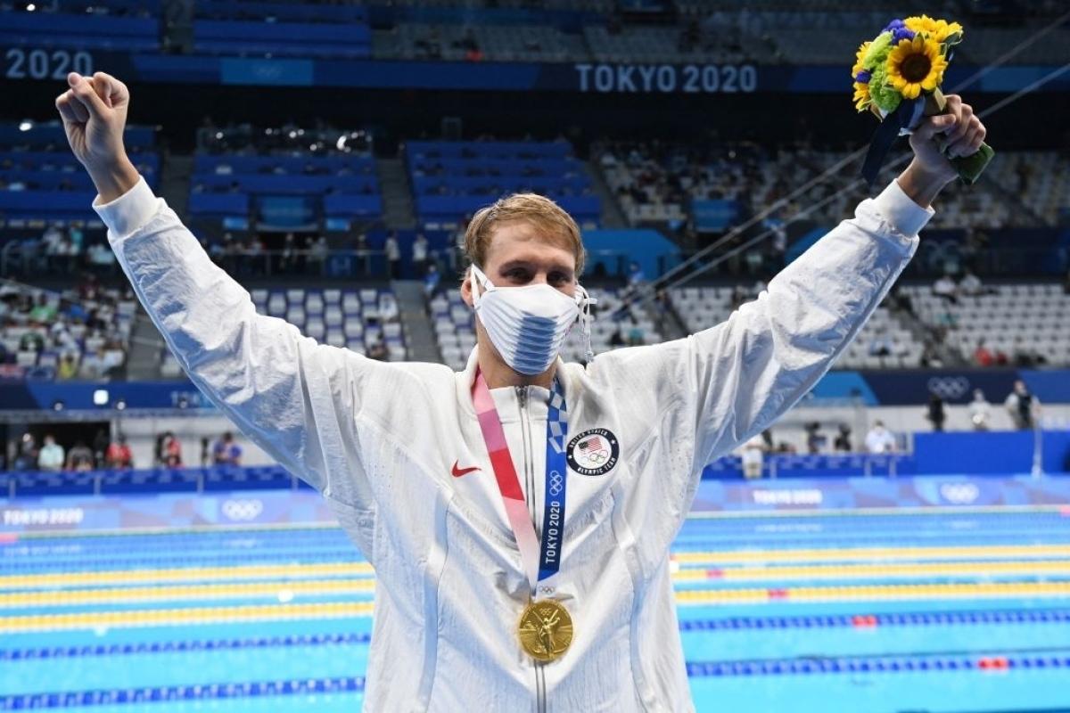 Chase Kalisz giành HCV đầu tiên cho Mỹ ở Olympic Tokyo 2020 (Ảnh: Getty).