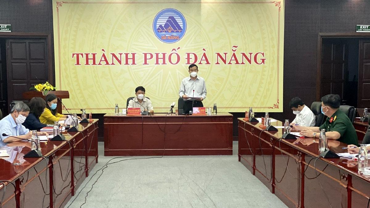 Ông Lê Trung Chinh, Chủ tịch UBND thành phố Đà Nẵng đề nghị Sở Công Thương hướng dẫn cụ thể các mặt hàng thiết yếu được phép kinh doanh.