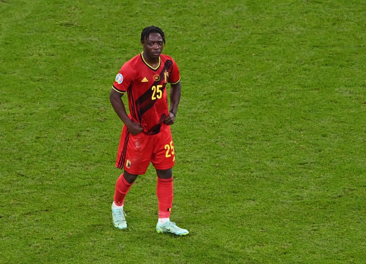 Jeremy Doku đã ra sân 2 trận trong hành trình vào tứ kết EURO 2021 của ĐT Bỉ. Những gì cầu thủ 19 tuổi này thể hiện ở trận đấu với Italia đã thu hút được sự chú ý của Liverpool, Arsenal và Chelsea.
