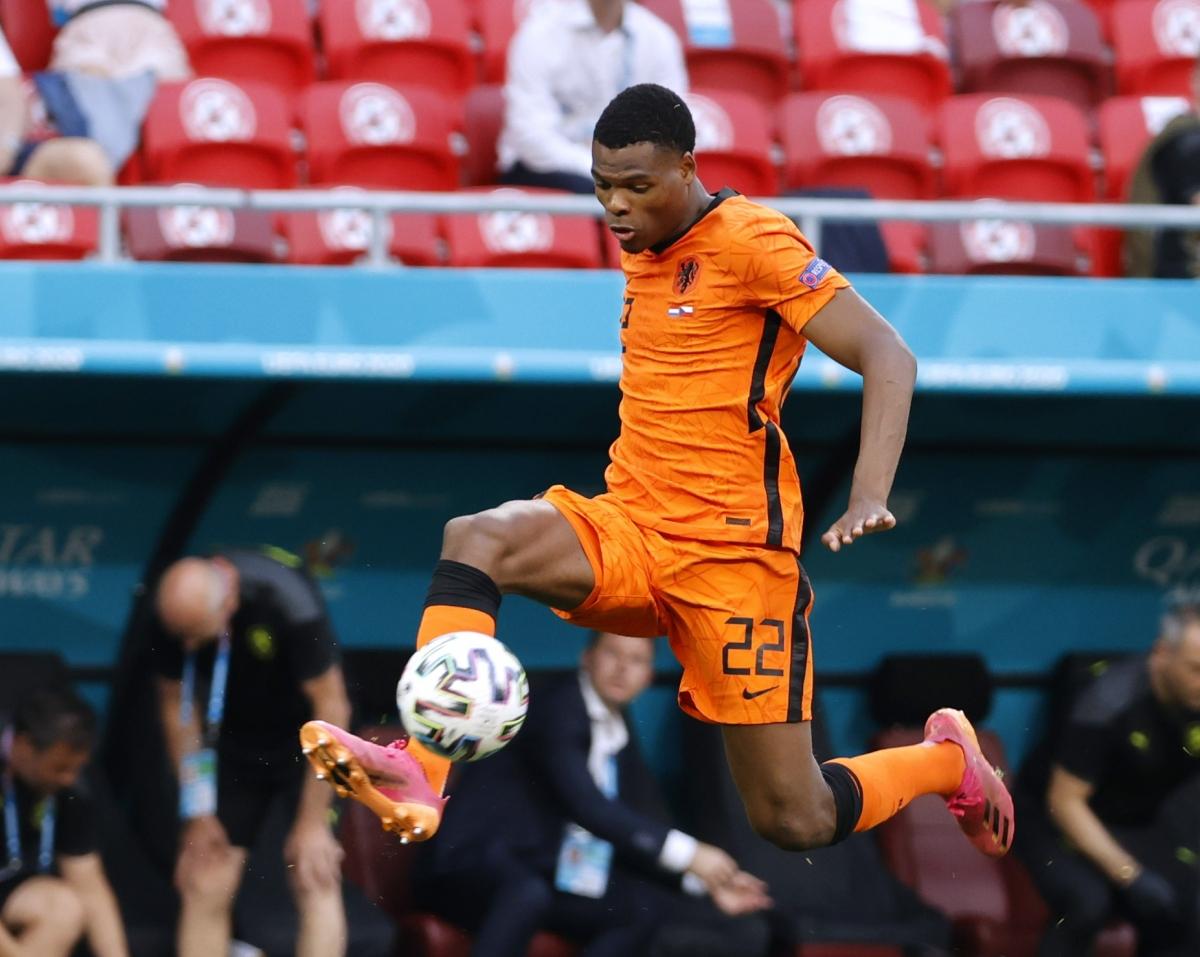 Denzel Dumfries đã có 2 bàn thắng, góp công lớn giúp Hà Lan toàn thắng ở vòng bảng EURO 2021. Anh được sự quan tâm từ Everton.