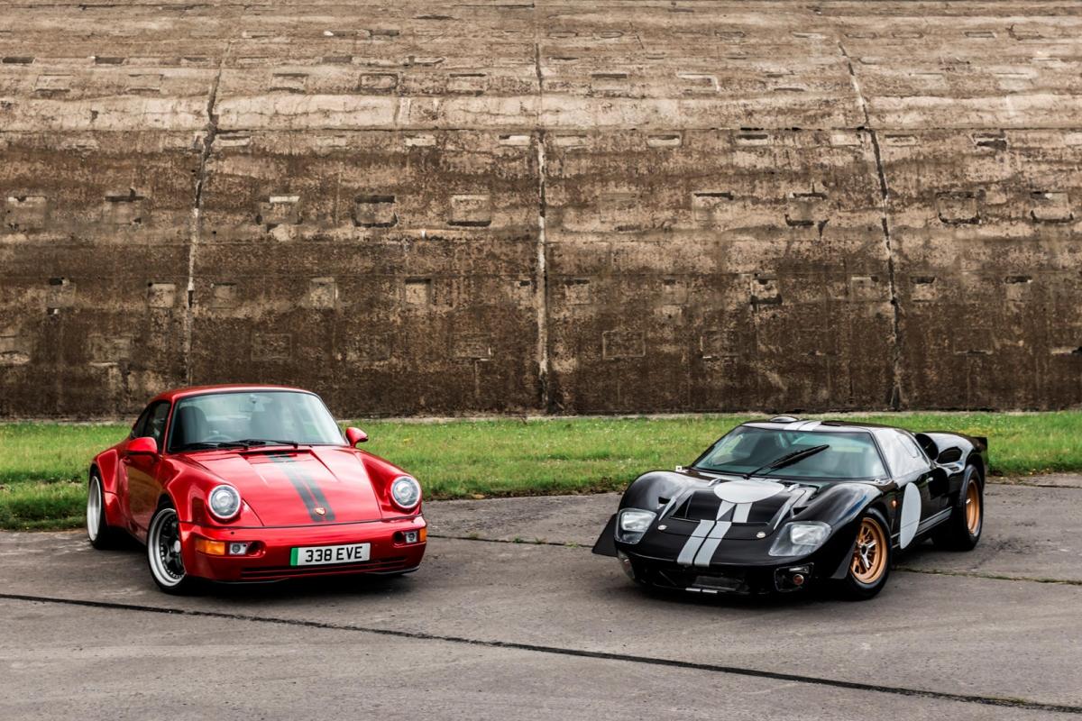 Hiện tại, thông số về hệ dẫn động của chiếc GT40 chạy điện chưa được công bố. Tuy nhiên, để đạt được mức công suất gần như tương đồng với sức mạnh nói trên, rất có thể nó sẽ được trang bị bộ pin 53 kWh và động cơ điện tương tự như mẫu Porsche 964 Everrati, sản sinh 500 mã lực.