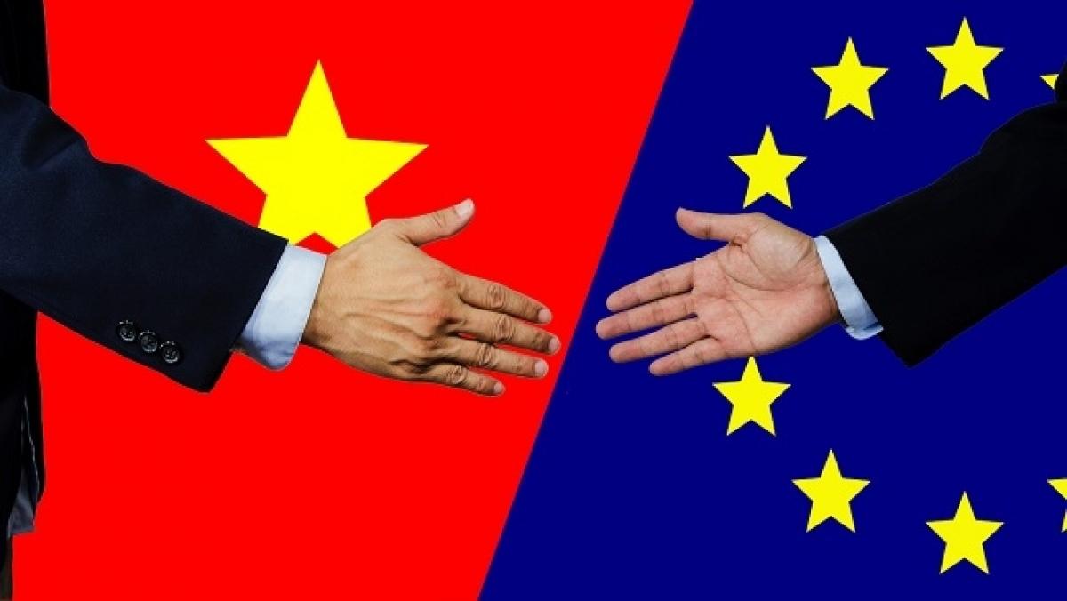 Xuất khẩu của EU sang Việt Nam tăng ở mức khoảng 18%, trong đó có những mặt hàng như hóa chất, dược phẩm, ô tô và phụ tùng ô tô... (Ảnh: KT)