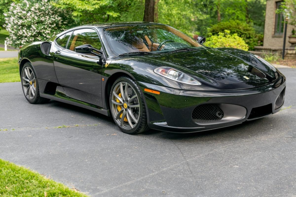 Trong khi dòng xe Ferrari V8 đã có mặt trên thị trường suốt 2 thập kỉ vừa qua, nhưng chiếc F430 vẫn được cho là một chiếc siêu xe độc đáo trong thị trường.