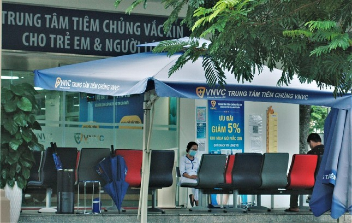 A centre provides COVID-19 vaccinations for both adults and children inside the Phu My Hung urban area.