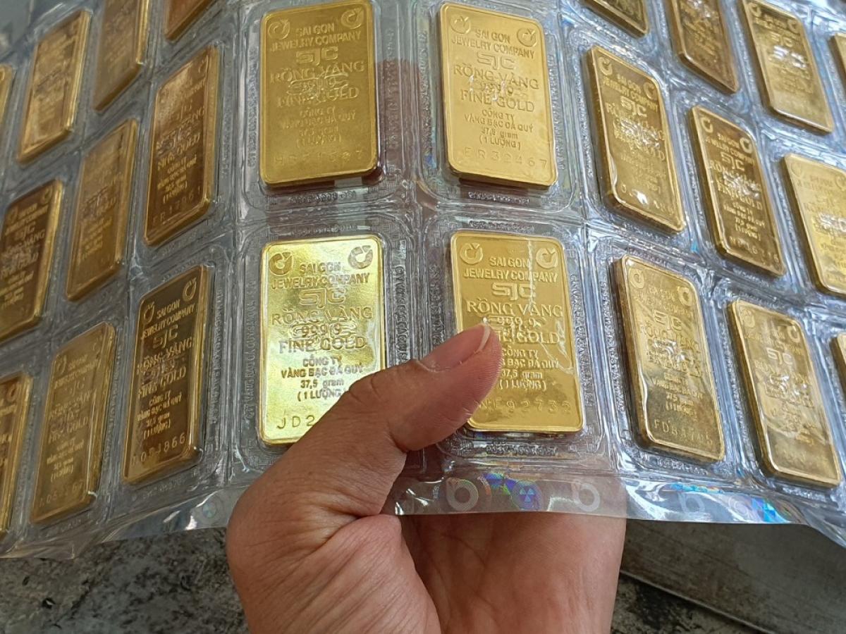 Giá vàng trong nước đứng yên trong khi vàng thế giới tăng nhẹ (Ảnh minh họa: KT)
