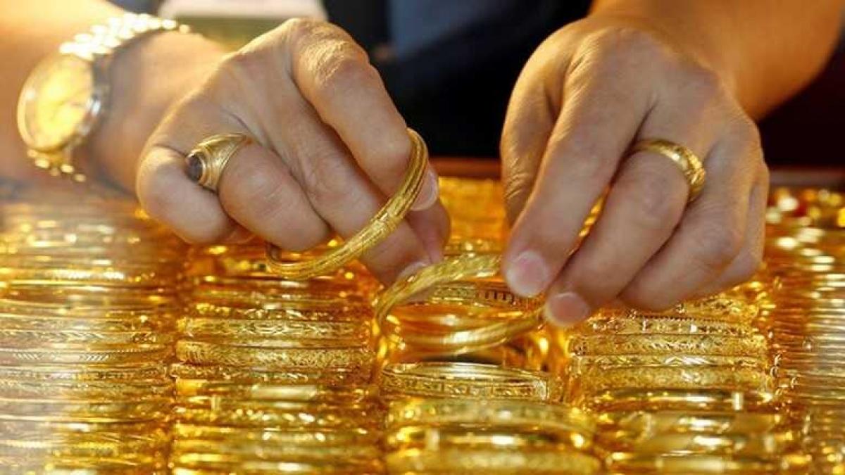 Giá vàng trong nước tăng nhẹ ngược chiều với vàng thế giới. (Ảnh: KT)