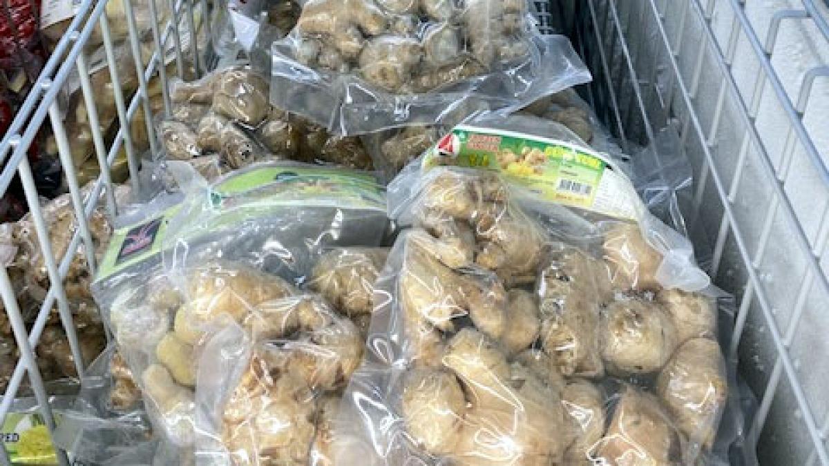 Gừng Việt Nam bày bán tại siêu thị ở khu Haymarket, Sydney.