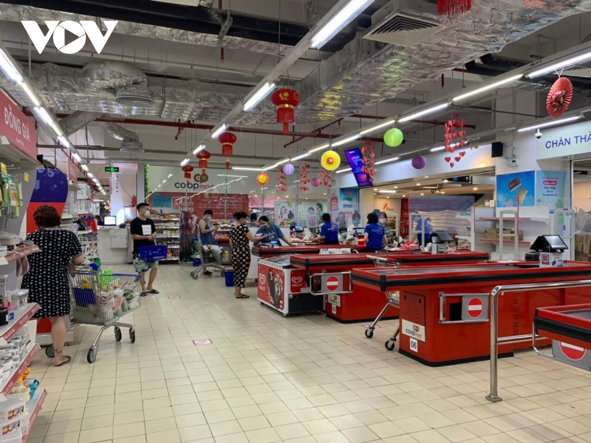 Very few people shop at Mipec trading centre in Long Bien district