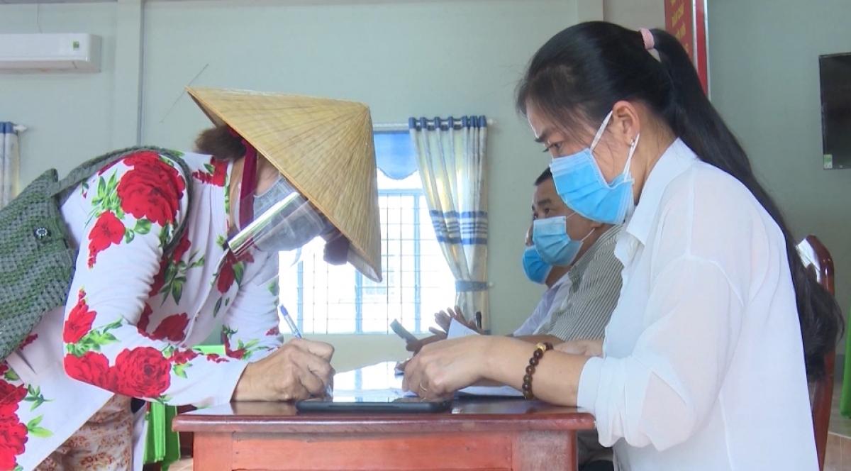 Hậu Giang đã có nhiều giải pháp hỗ trợ người dân gặp khó khăn do ảnh hưởng của dịch COVID-19.