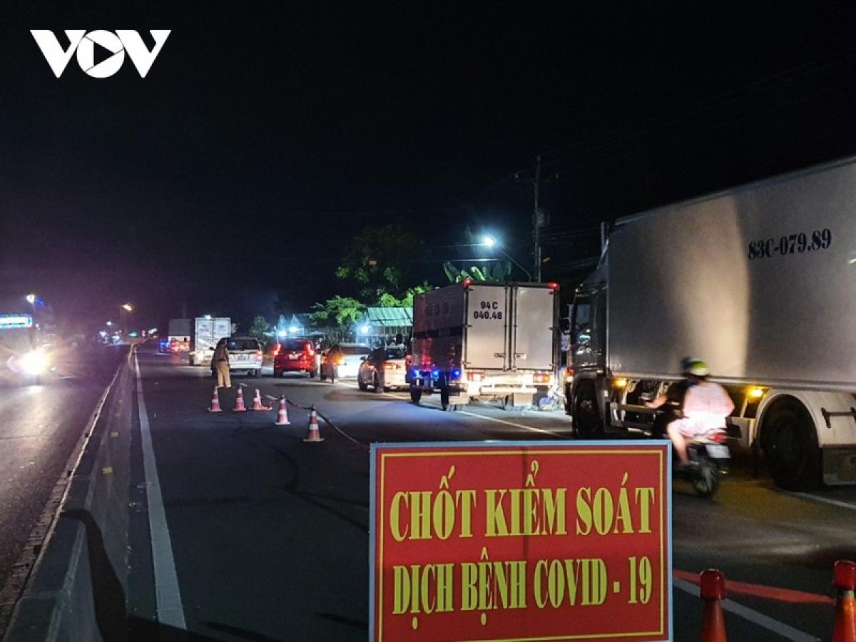 Tổng cục Đường bộ xây dựng phương án tổ chức giao thông cho các phương tiện vận chuyển hàng hóa qua TP Hồ Chí Minh sau khi TP thực hiện cách ly xã hội theo Chỉ thị 16 của Chính phủ.