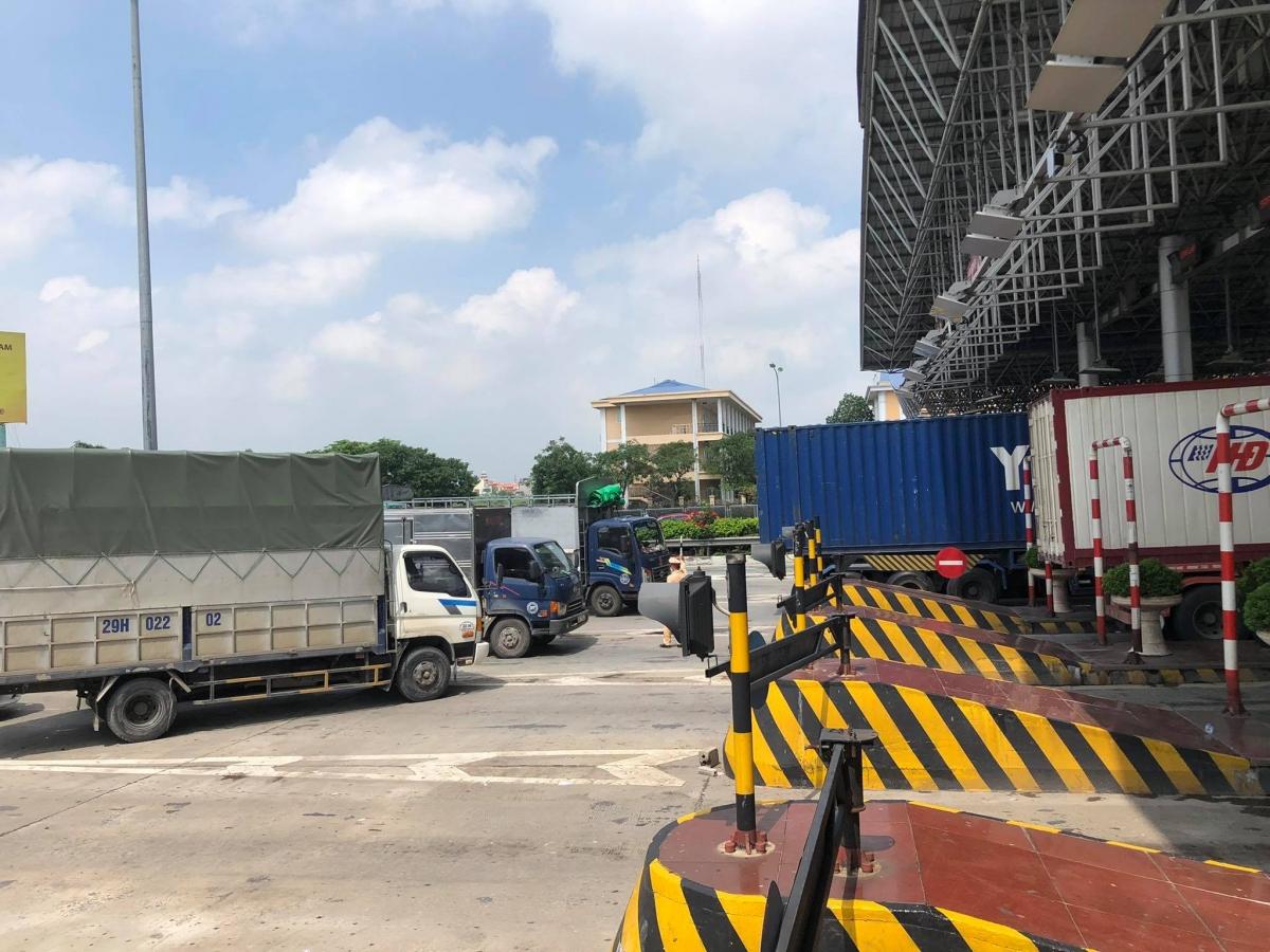 Cao tốc Pháp Vân - Cầu Giẽ ùn tắc chiều về Hà Nội.
