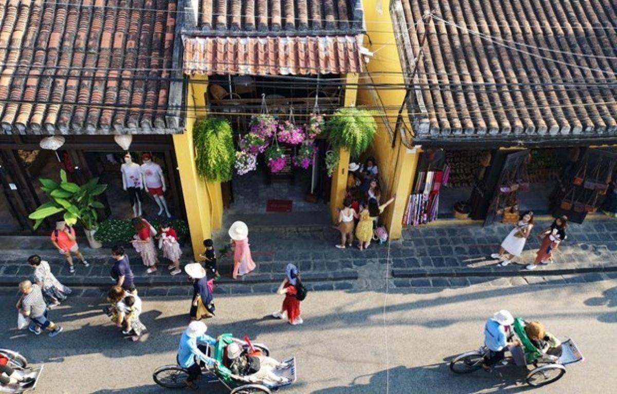 Visitors at Hoi An ancient town