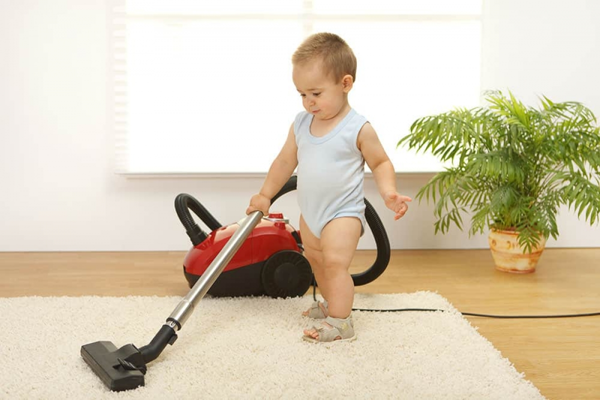 how-to-keep-your-floors-clean-with-little-kids-1.jpg