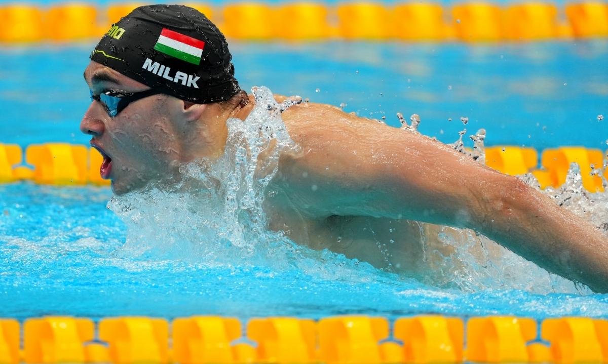 VĐV Kristóf Milák phá kỷ lục Olympictồn tại 13 năm của Michael Phelps ở nội dung bơi bướm 200m nam. (Ảnh: Reuters).