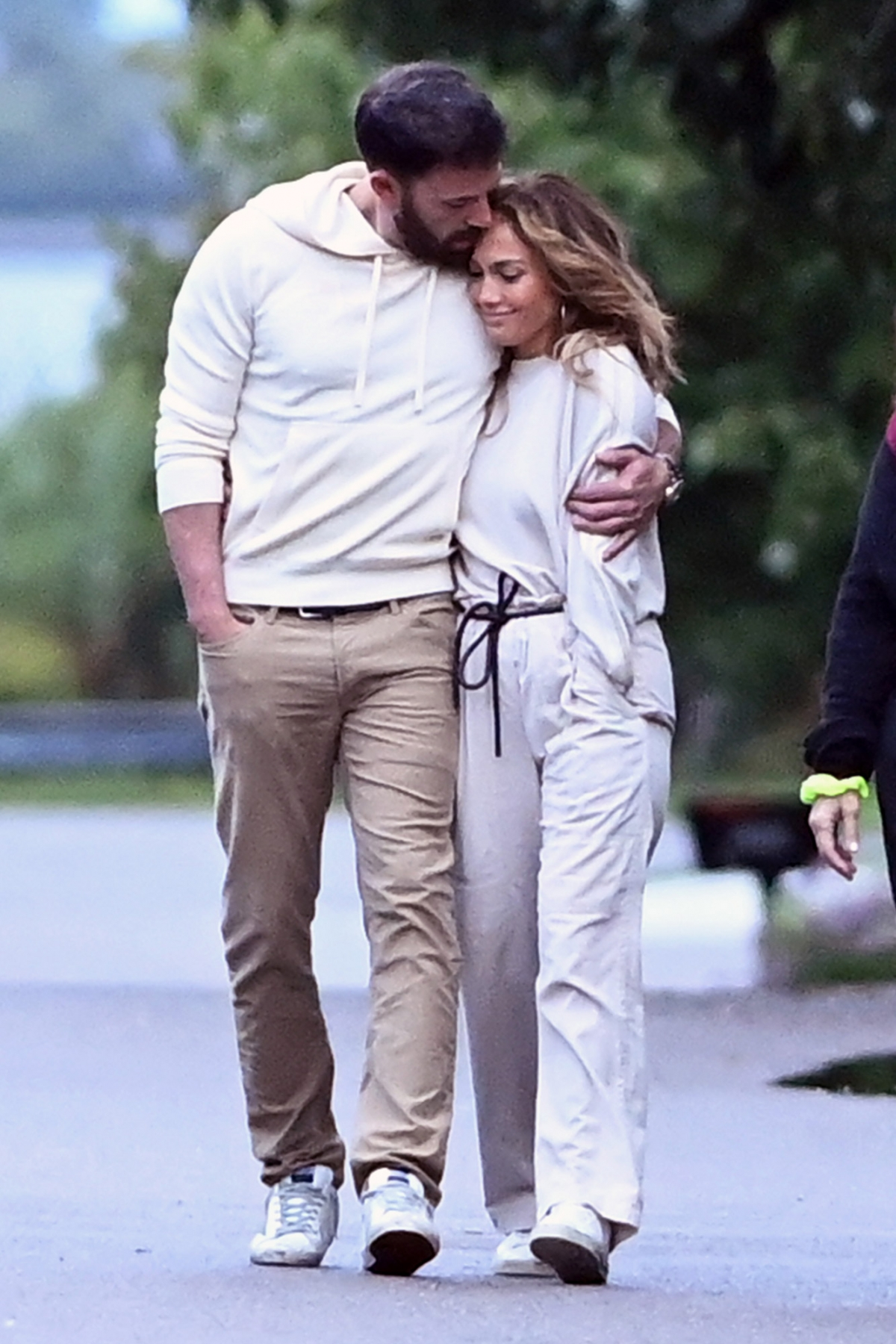 Jennifer Lopez từng hẹn hò với Ben Affleck vào tháng 7/2002 và đính hôn vào tháng 11 cùng năm, tuy nhiên lại hoãn đám cưới vào tháng 9/2003, ngay trước ngày cưới. Cuối cùng họ đã hủy bỏ hôn ước vào tháng 1/2004. Nguồn: Elder Ordonez/Splashnews.com