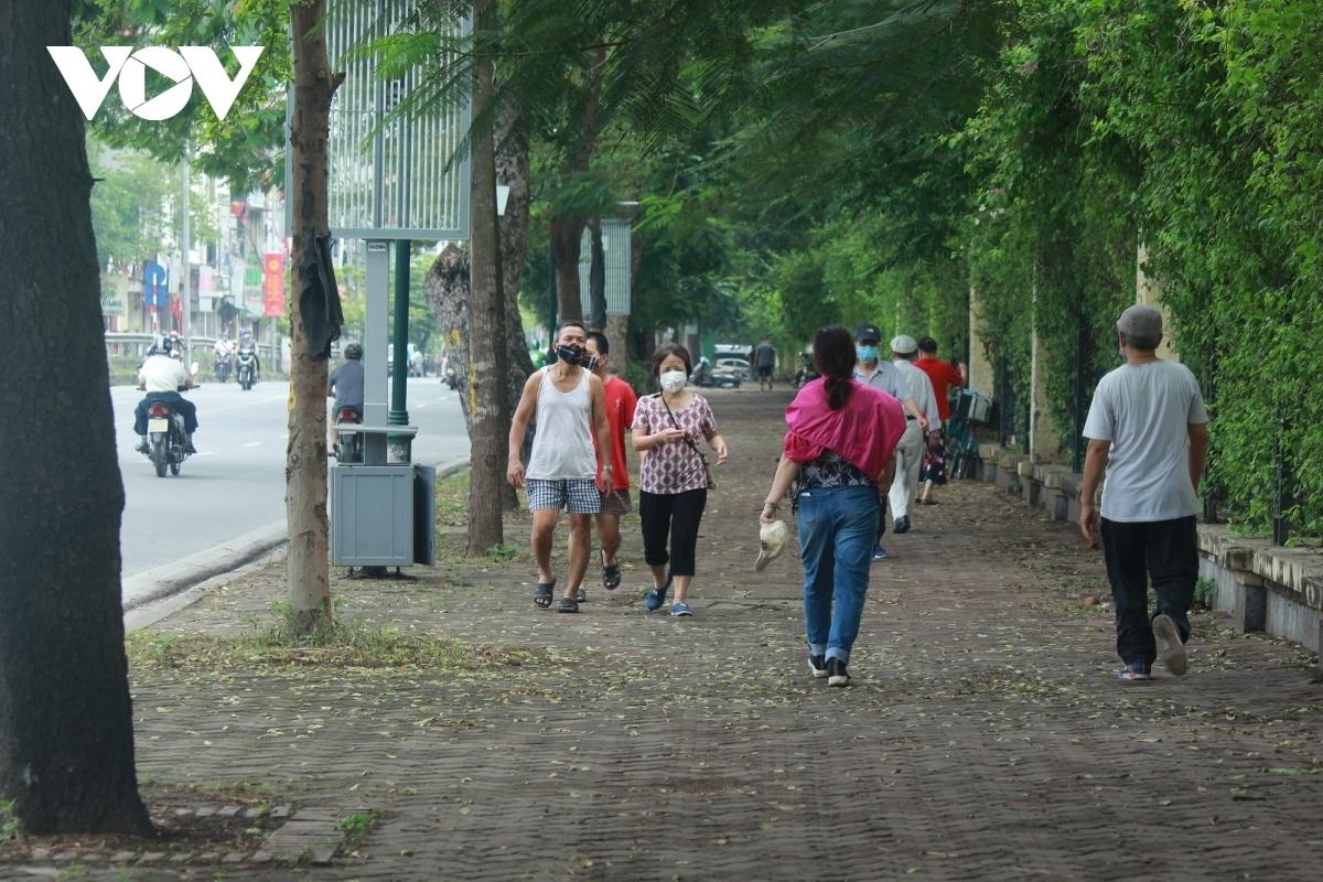 Lãnh đạo Thành phố Hà Nội yêu cầu người dân chỉ ra khỏi nhà trong trường hợp thật cần thiết.