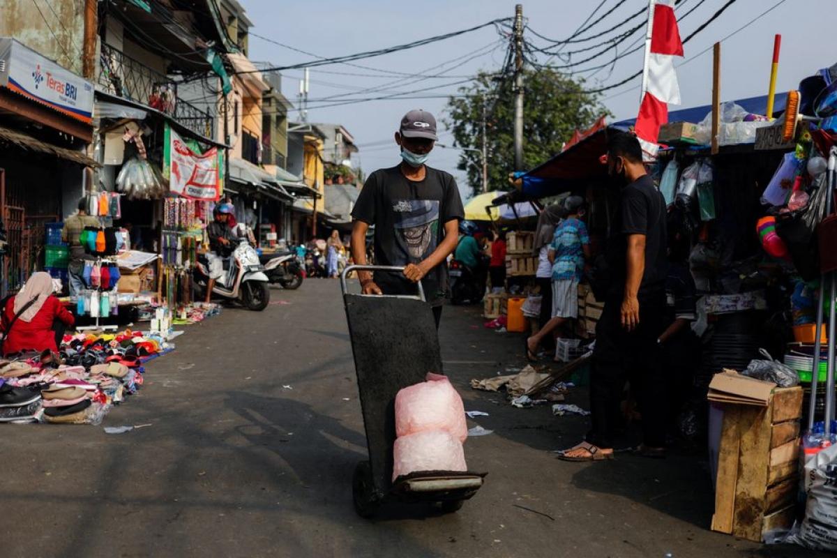 Trong tuần vừa qua, Indonesia có 4 ngày ghi nhận số người chết do Covid-19 cao kỷ lục, trong đó có ngày 23/7 ghi nhận 1.566 ca tử vong. Ảnh: Reuters
