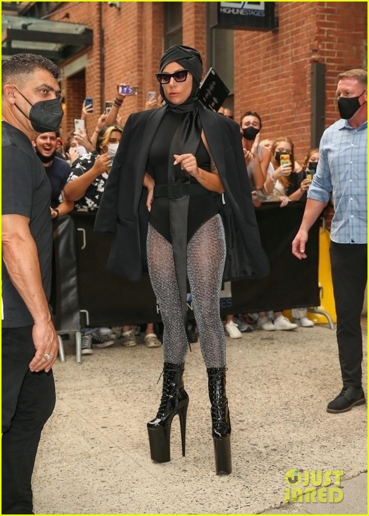 Sự xuất hiện của Lady Gaga nhận được sự quan tâm của đông đảo người hâm mộ.