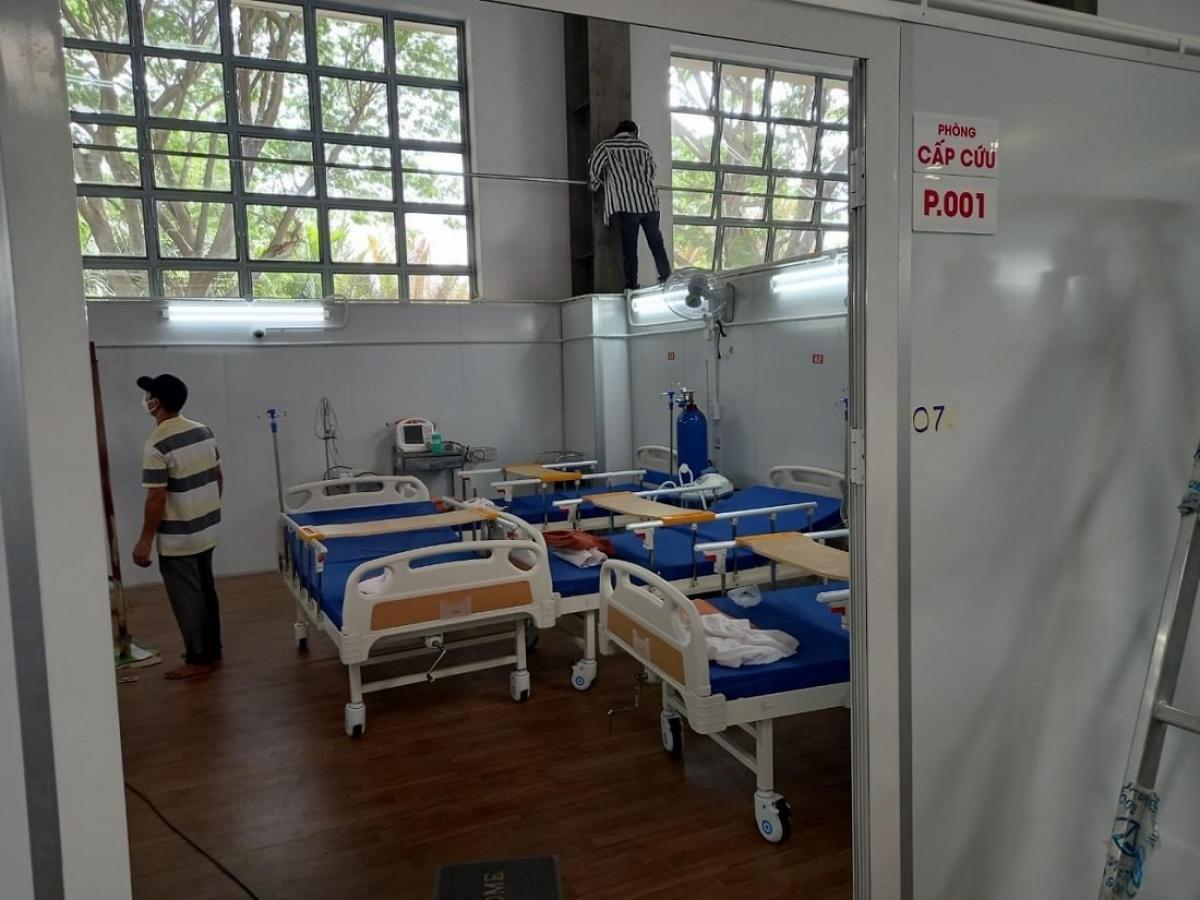 Khu vực hồi sức tích cực có đủ oxy và trang thiết bị y tế hiện đại (Ảnh: HVĐ)