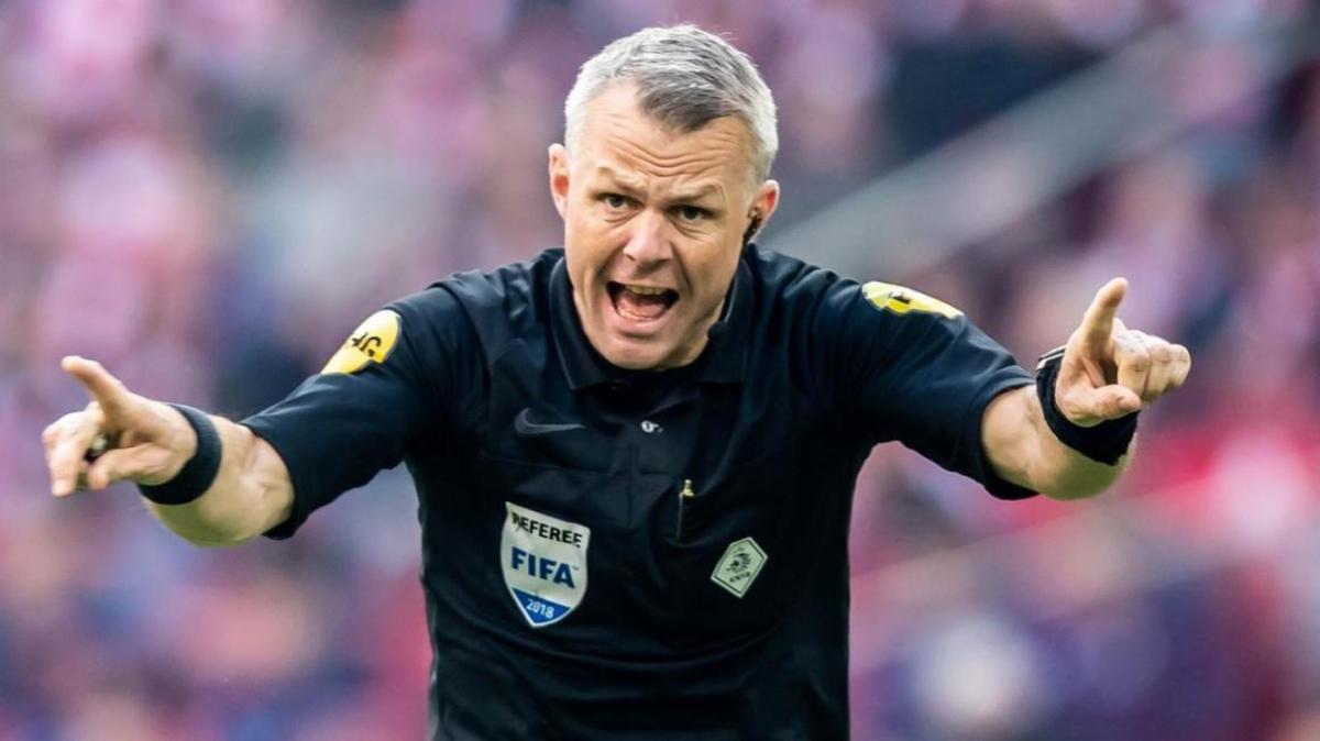 Trọng tài Kuipers điều khiến trận chung kết EURO 2021 giữa Anh và Italia. (Ảnh: Getty).