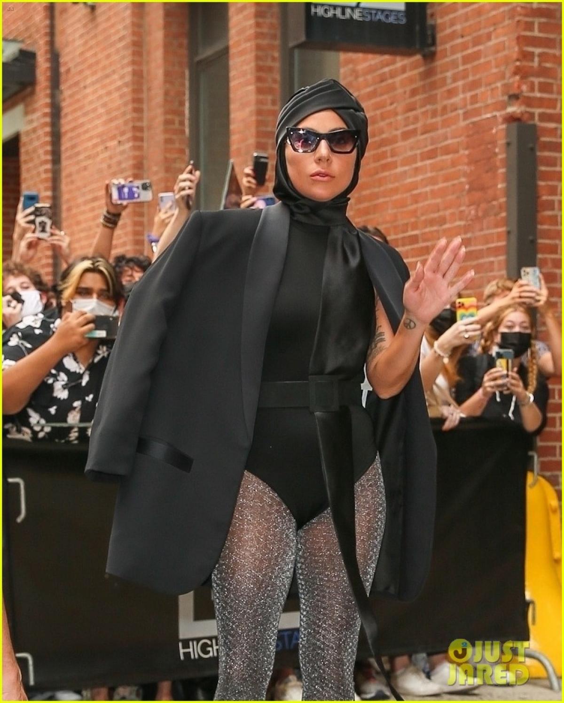 """Lady Gaga trở thành """"tâm điểm"""" của sự chú ý khi xuất hiện tại một sự kiện diễn ra ở New York ngày 28/7."""