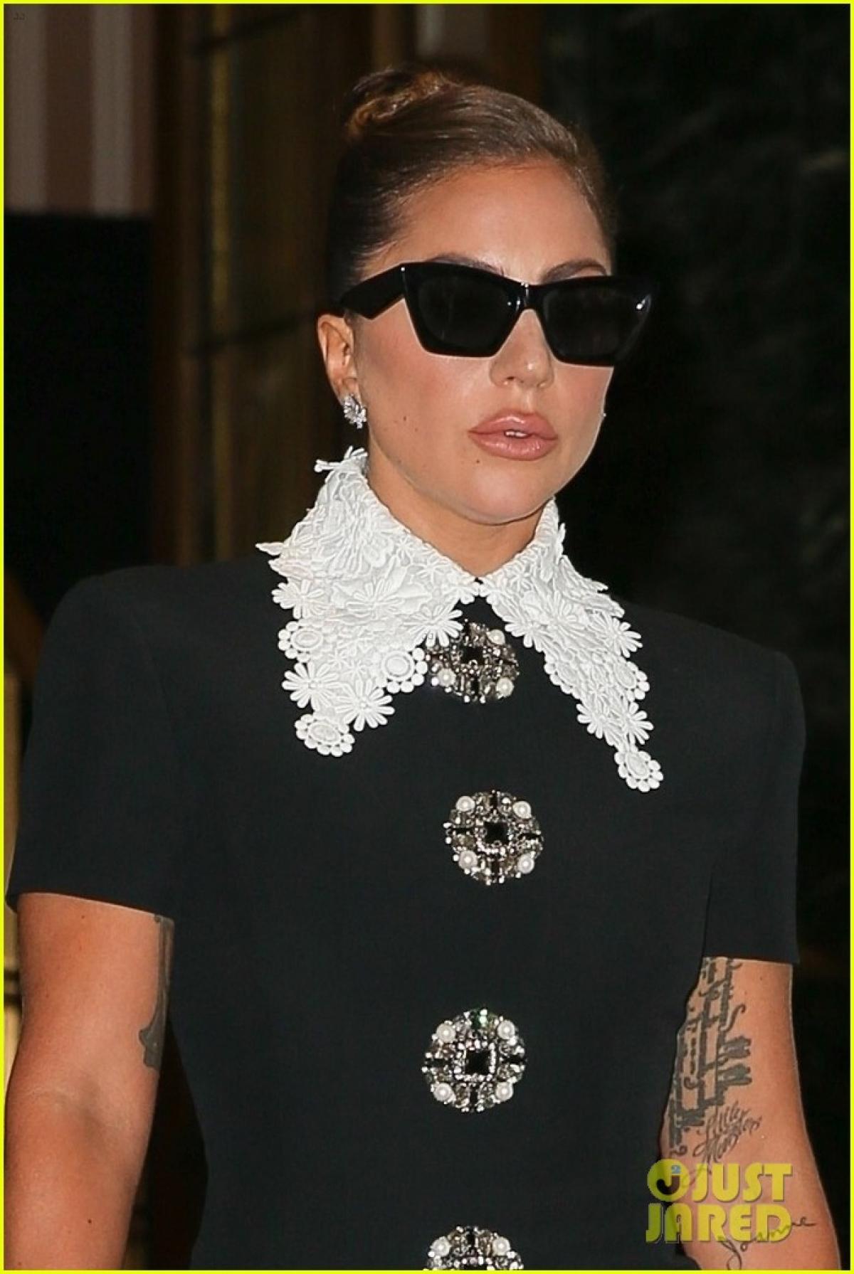"""Ngôi sao ca nhạc Lady Gaga giàu sang, quyền lực và ngông cuồng khi tái hiện chân dung người vợ sát hại Maurizio Gucci trong phim """"House of Gucci"""" (Gia tộc Gucci)."""