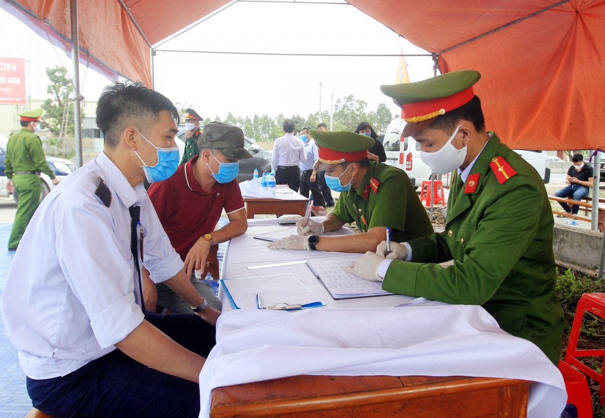Hải Phòng cách ly y tế tập trung đối với người về/đi qua Hà Nội kể từ 12h00' ngày 24/7/2021.