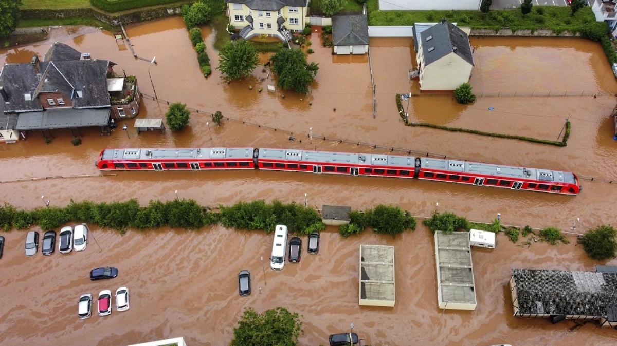 Ngành đường sắt Đức thiệt hại 1,3 tỷ ero vì lũ lụt. Ảnh: AP