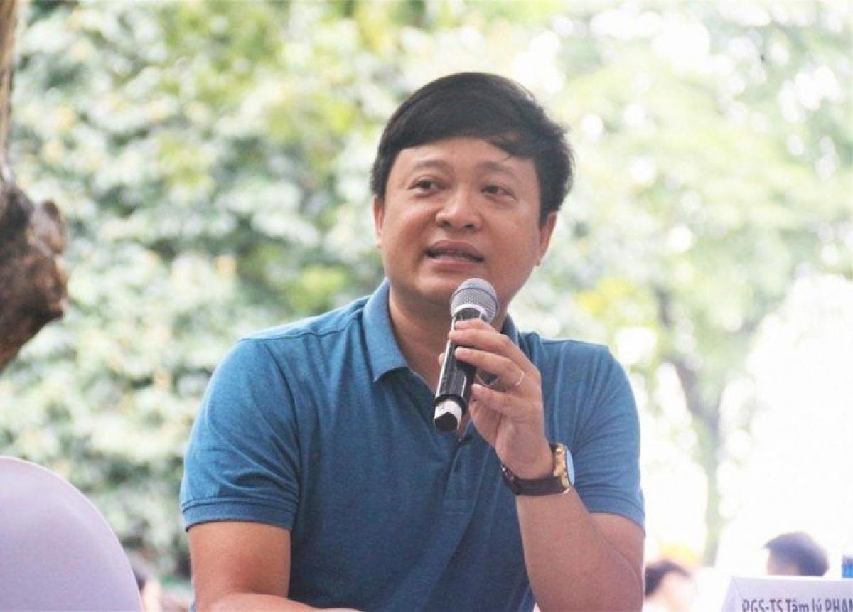 Nhà tâm lý xã hội học, PGS.TS Phạm Mạnh Hà trong một buổi tư vấn Ảnh: Internet