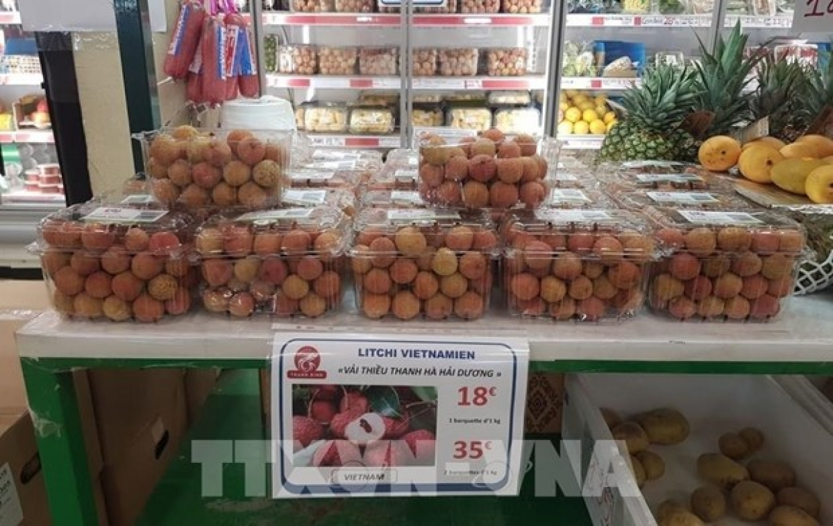 Thanh Ha lychees in a supermarket in Paris