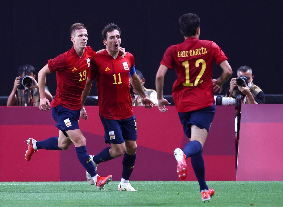 Oyarzabal ghi bàn khai thông bế tắc cho Tây Ban Nha. (Ảnh: Reuters).