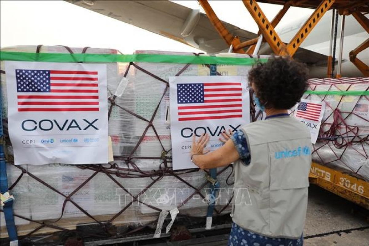 The initial batch to arrival at Noi Bai International Airport is part of a wider commitment of 80 million COVID-19 vaccine doses pledged by US President Joe Biden which will be shared throughout the world.