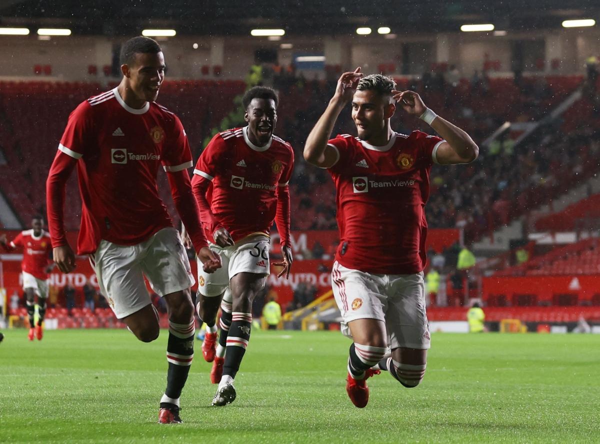 """Andreas Pereira lập """"siêu phẩm"""" nhưng MU vẫn không thể thắng Brentford. (Ảnh: Reuters)."""