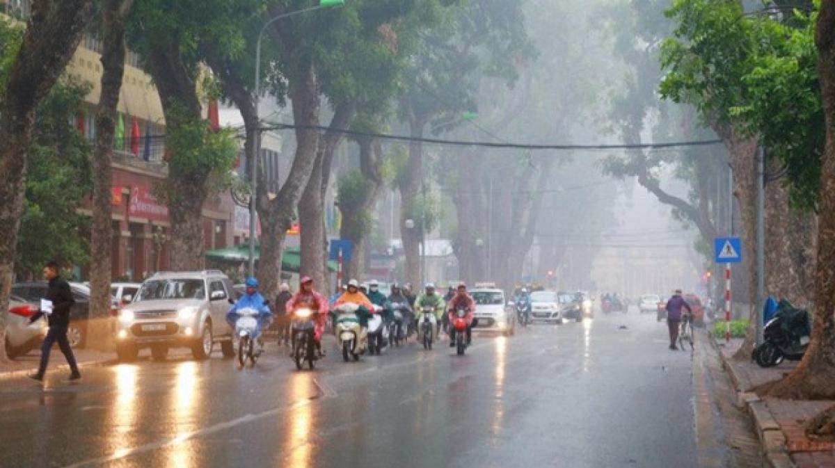 Khu vực Hà Nội chiều tối và đêm nay, có lúc có mưa rào và dông. Trong mưa dông có khả năng xảy ra lốc, sét và gió giật mạnh.