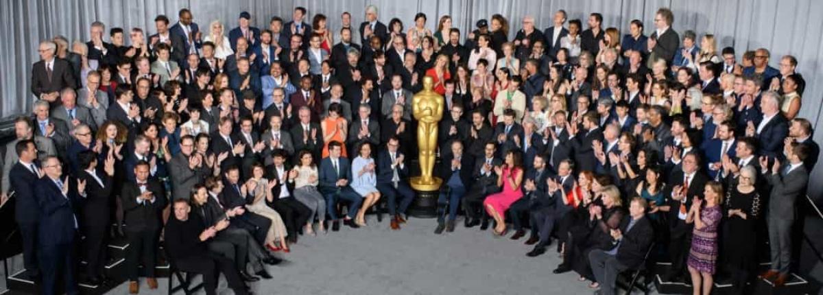Bức ảnh nhóm đông nhất.Đây là một hạng mục khác không được kỷ lục Guinness thế giới công nhận.
