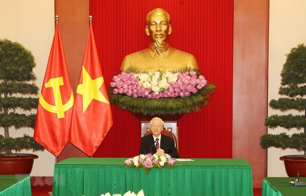 Party General Secretary Nguyen Phu Trong says Vietnam attaches importance to strengthening its relations with the Republic of Korea during his phone talks with RoK President Moon Jae-in on June 15. (Photo: VNA)