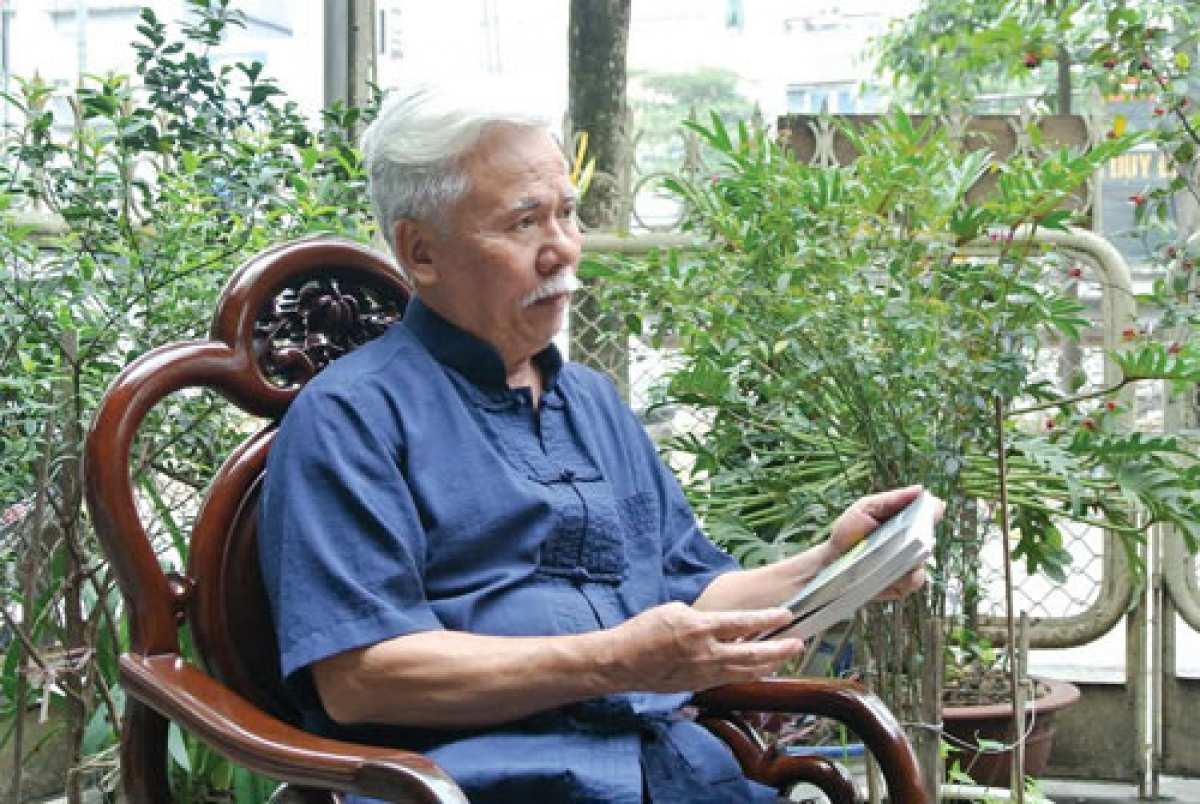 Nhà báo Lê Thông, nguyên Trưởng Ban Bạn nghe đài, Đài Tiếng nói Việt Nam.